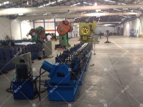 pallet-rack-upright-frame-roll-forming-equipment