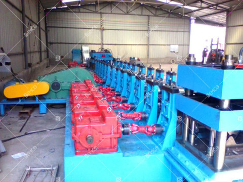 W-beam--guardrail-roll-foming-line