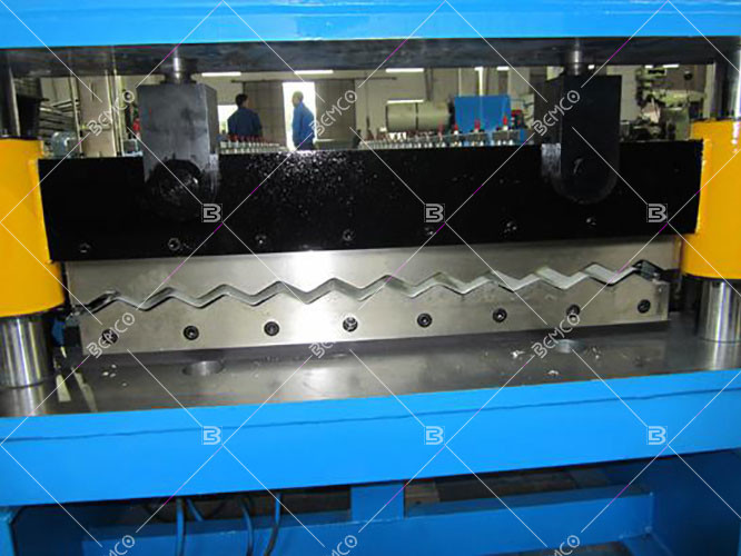 corrugated-metal-roof-panel-making-machine