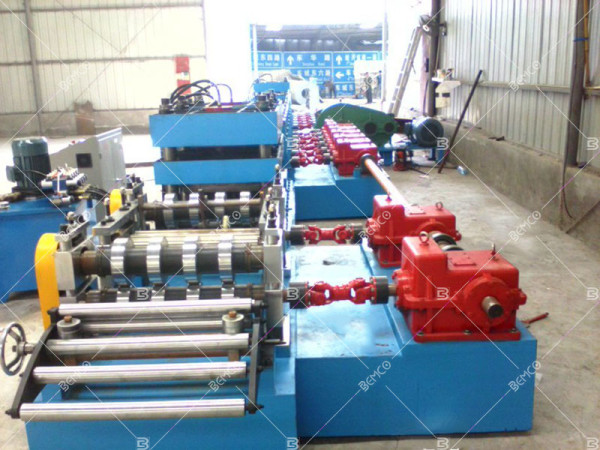 crash-barrier-roll-forming-machine