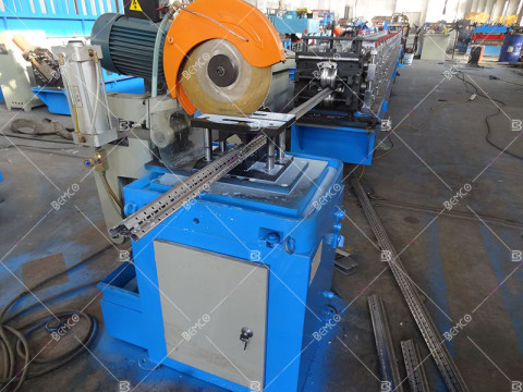 electric-cabinet-upright-beam-roll-forming-line