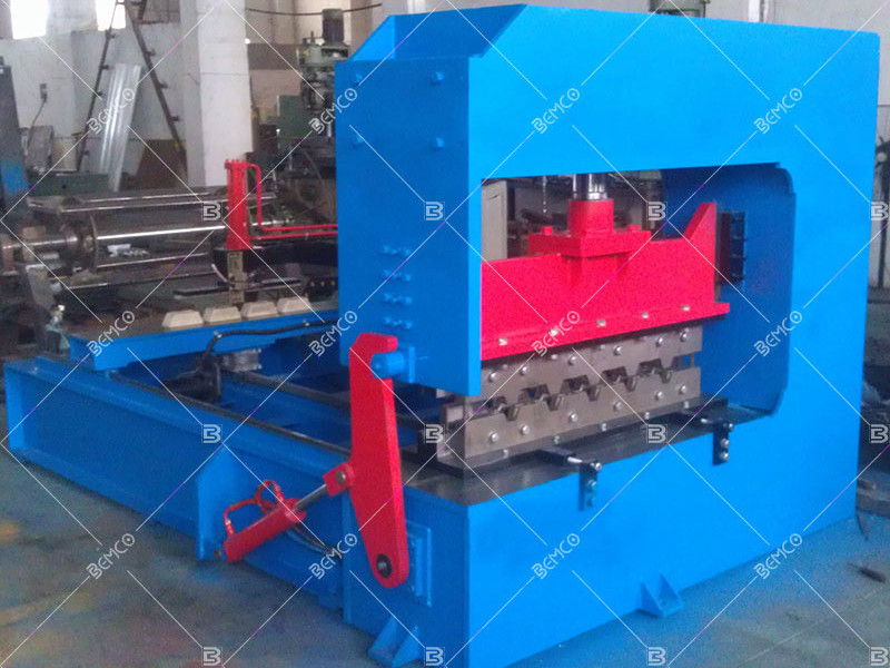 hydraulic-roof-panel-curving-machine