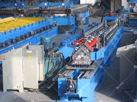 main-channel-roll-forming-machine