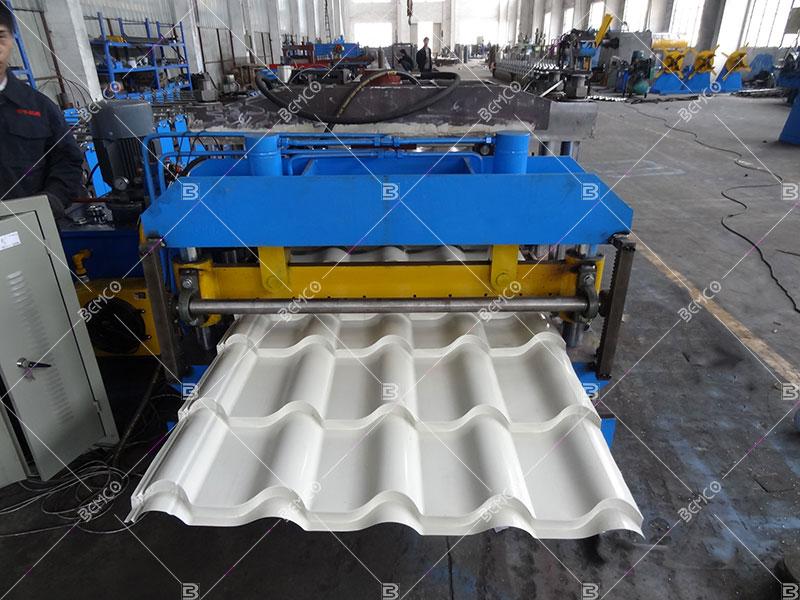metal-tile-effect-roofing-sheet-making-machine