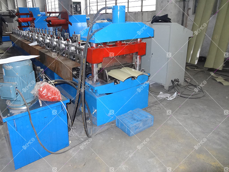 metal-wall-cladding-roll-forming-machine