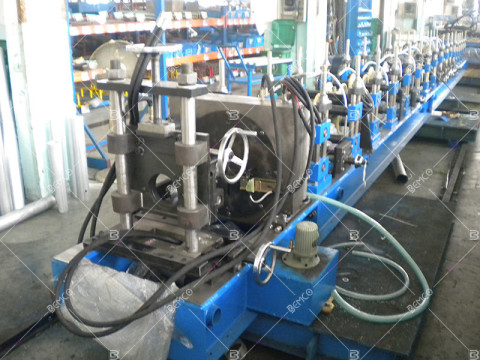 round-downspout-roll-forming-machine