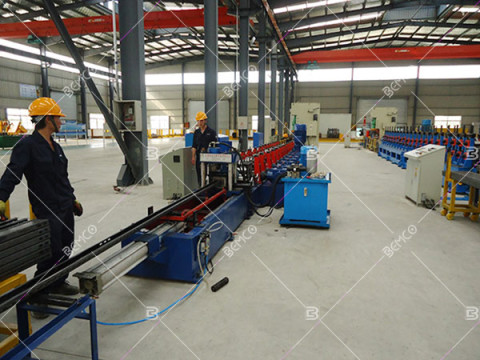 solar-panel-mounting-bracket-roll-forming-machine
