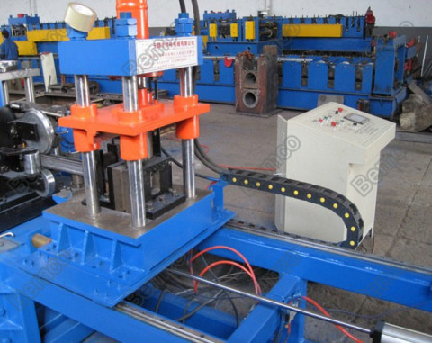 solar-panel-racking-roll-forming-machine