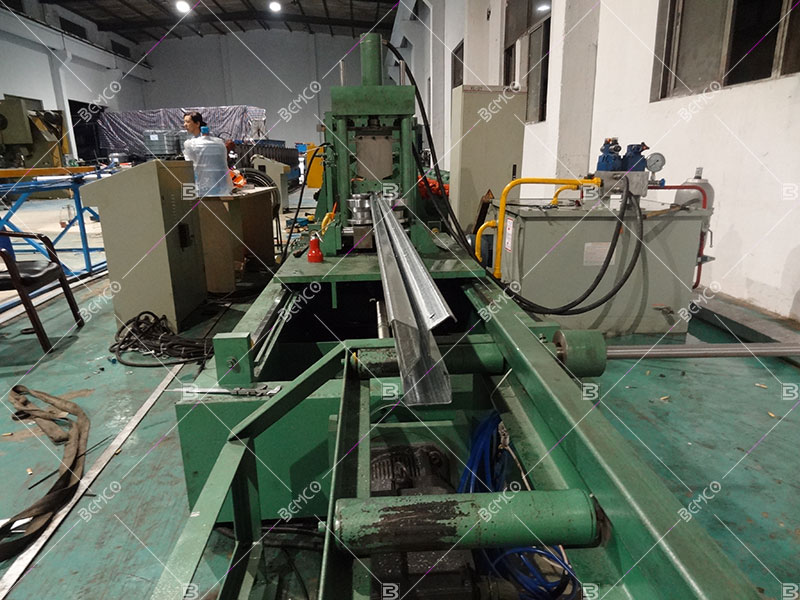 upright-roll-forming-line