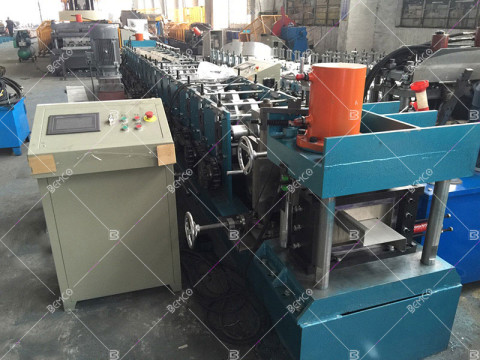 z-purlin-roll-forming-machine
