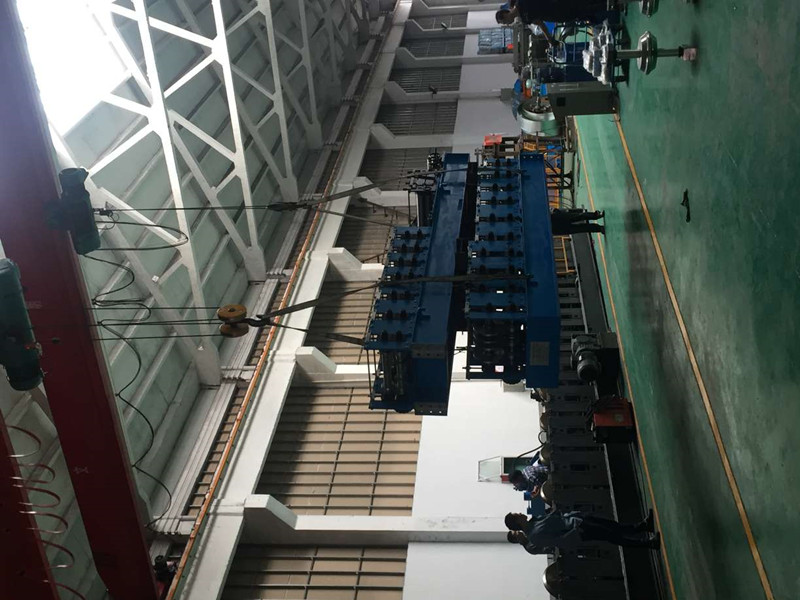 loading-calbe-tray-roll-forming-machine